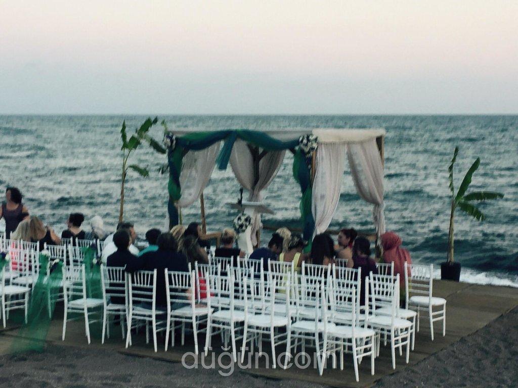 Riva Lara Beach