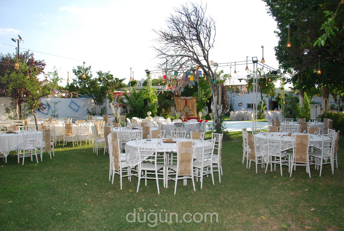 Bizim Bahçe Kır Düğünleri Bayraklı