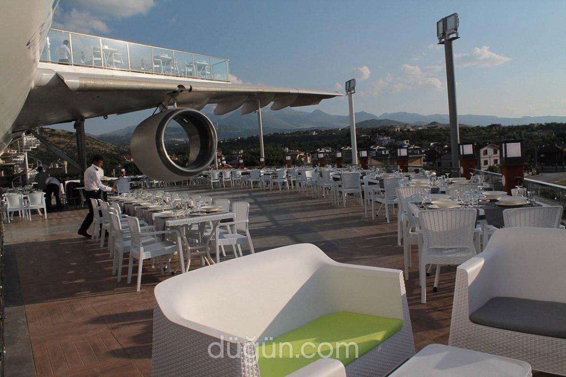 Airbus Cafe & Restaurant