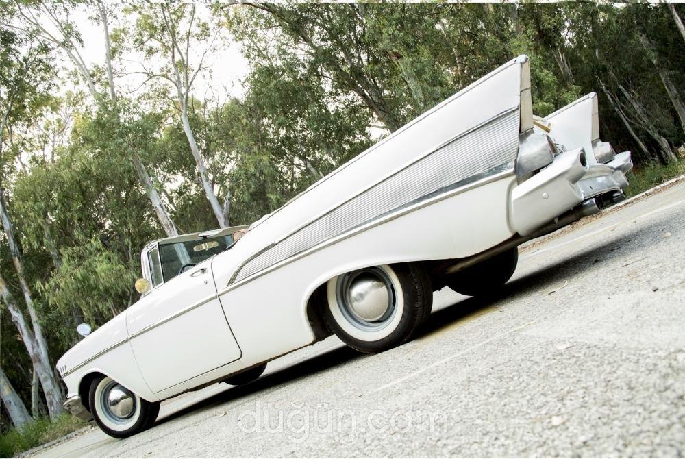 Antalya Beyaz Klasik Gelin Otomobili