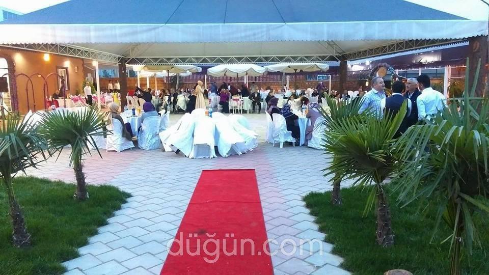 Monalisa Kır Düğünü