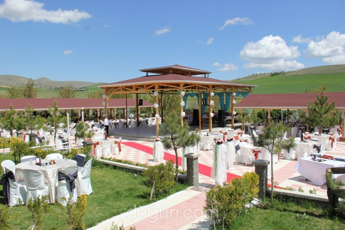 Gizemli Bahçe Kır Düğünü