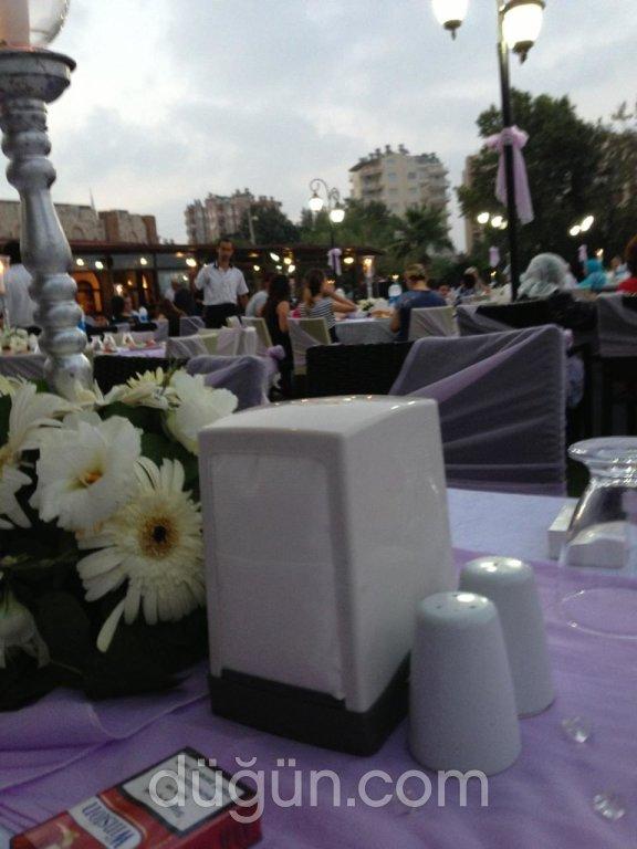 Deniz's Han Restaurant