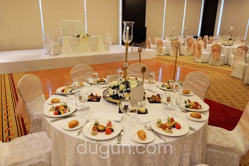 Clarion Hotel İstanbul Mahmutbey