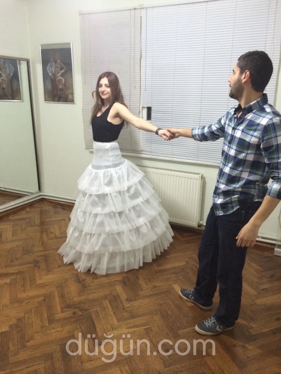 Mustafa Sarı Dans Stüdyo