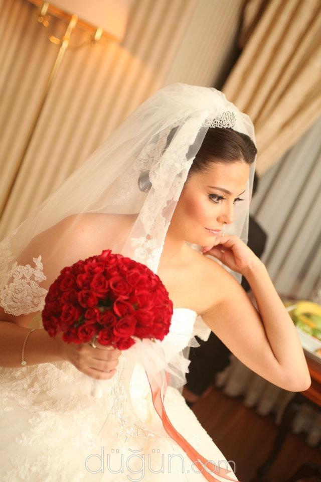 Sezar Sak Make Up Agency