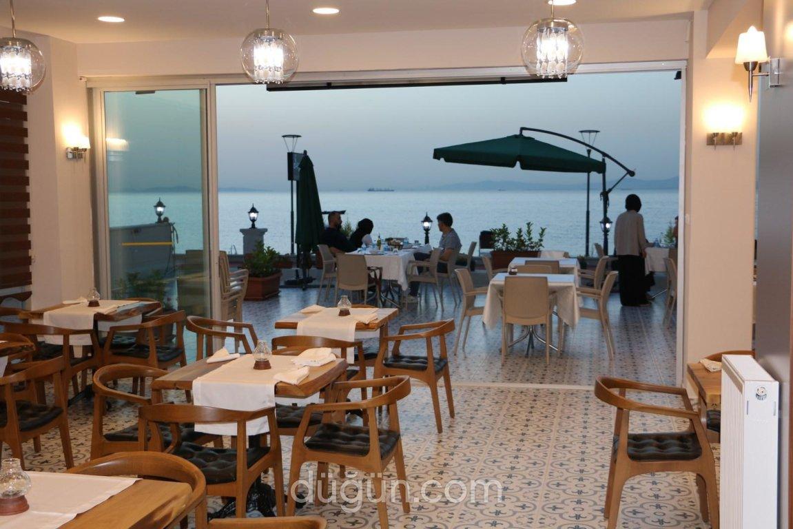 Segah Cafe & Restaurant
