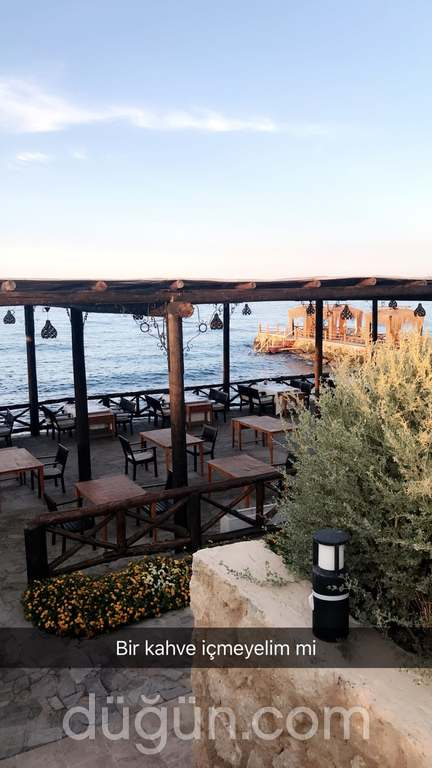 Cornaro Beach Club & Restaurant