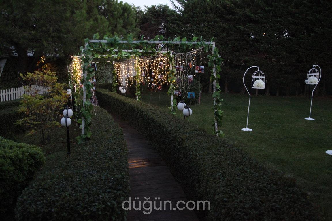 Feyzikeyf Garden