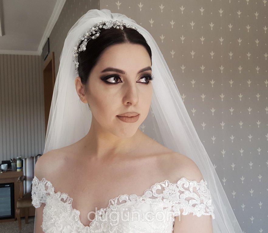 Makeup Guru Aybuke