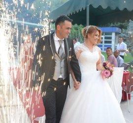 Düğün.com Çiftlerine Özel Yaz Düğünlerinde Yemekli Full Organizasyonlarda %22 İndirim!