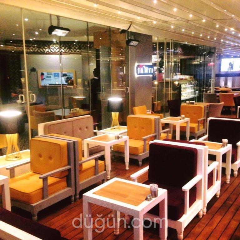 Janti Cafe