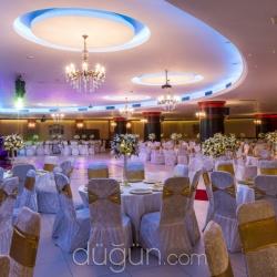 Düğün.com Çiftlerine Cuma Akşam Düğünleri %25 İndirimle 15.000 Tl'den Başlayan Fiyatlar!
