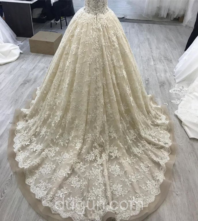 Karlovi Wedding Dress