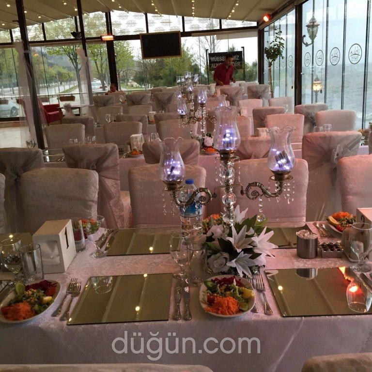 Tula Cafe Restaurant