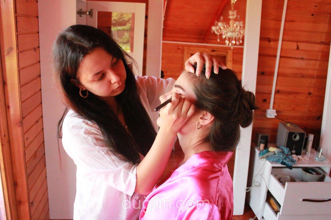 Make Up Artist Sabiha Taş