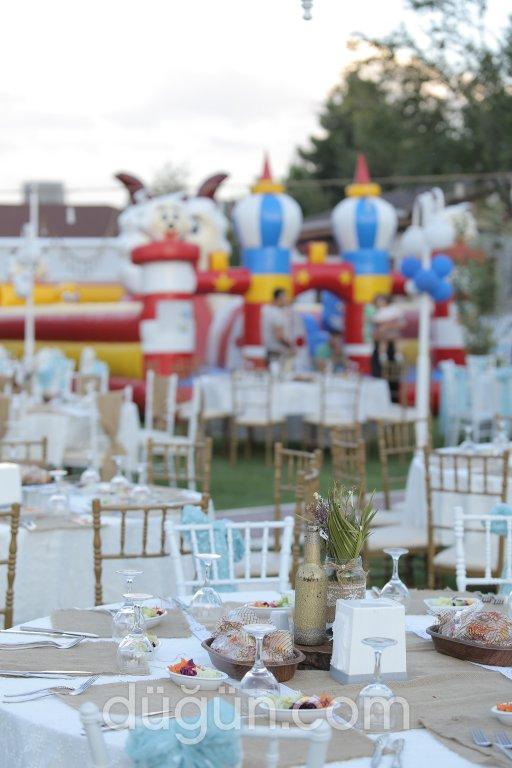 Göl Seyir İncek Kır Bahçesi