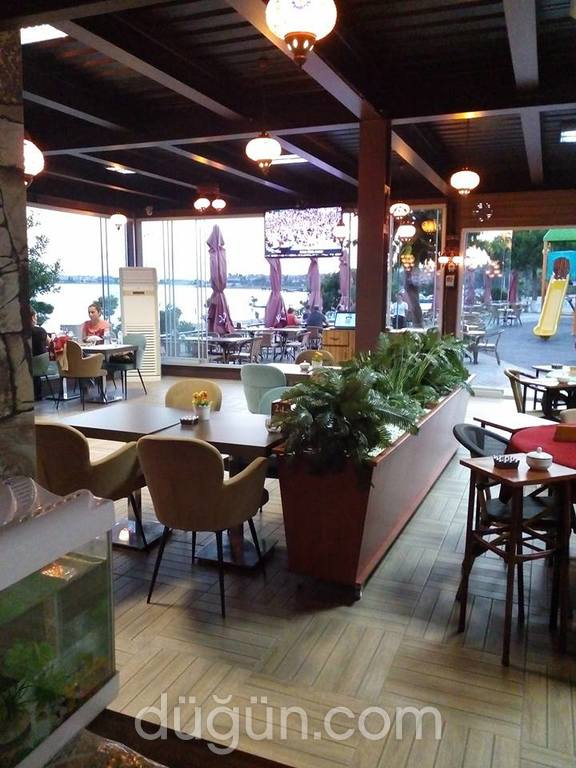 Medcezir Hungry Ghost Cafe & Restaurant