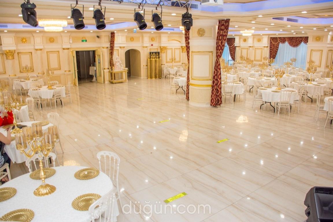 Beyaz Çırağan Balo Salonu Gold