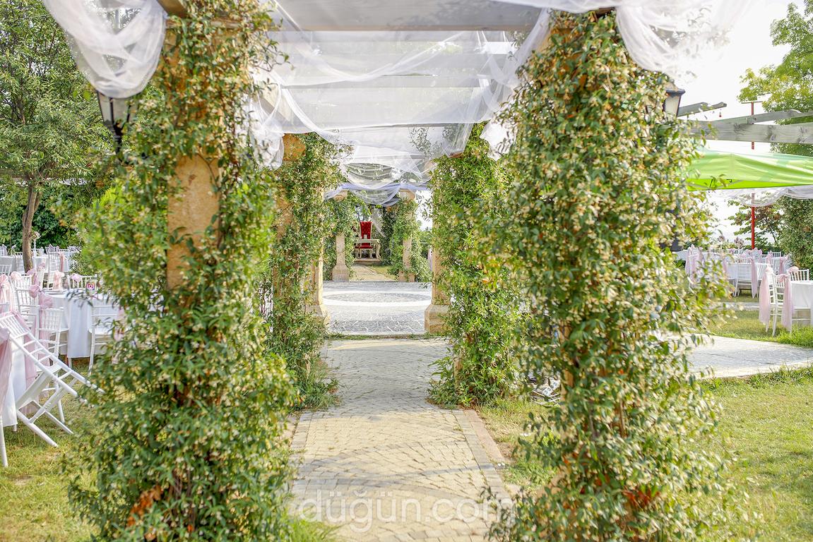 Huzur Bahçesi Tesisleri - Antik Garden