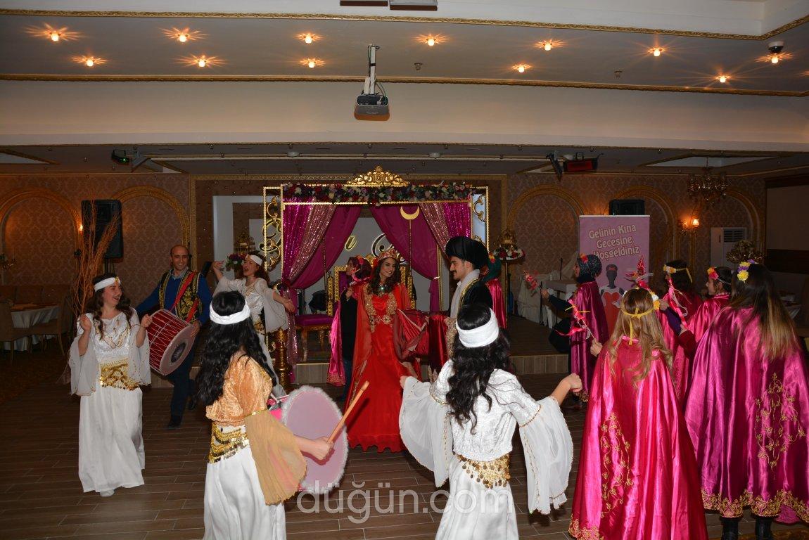 Kasr-ı Lena Balo Salonları
