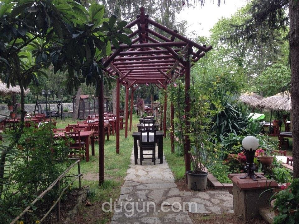 Santa Roza Kır Bahçesi