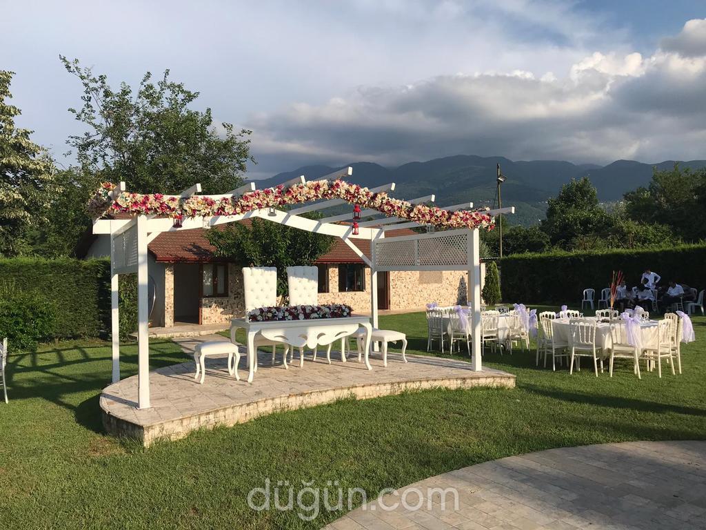 Serender Park Suadiye Kır Düğünü
