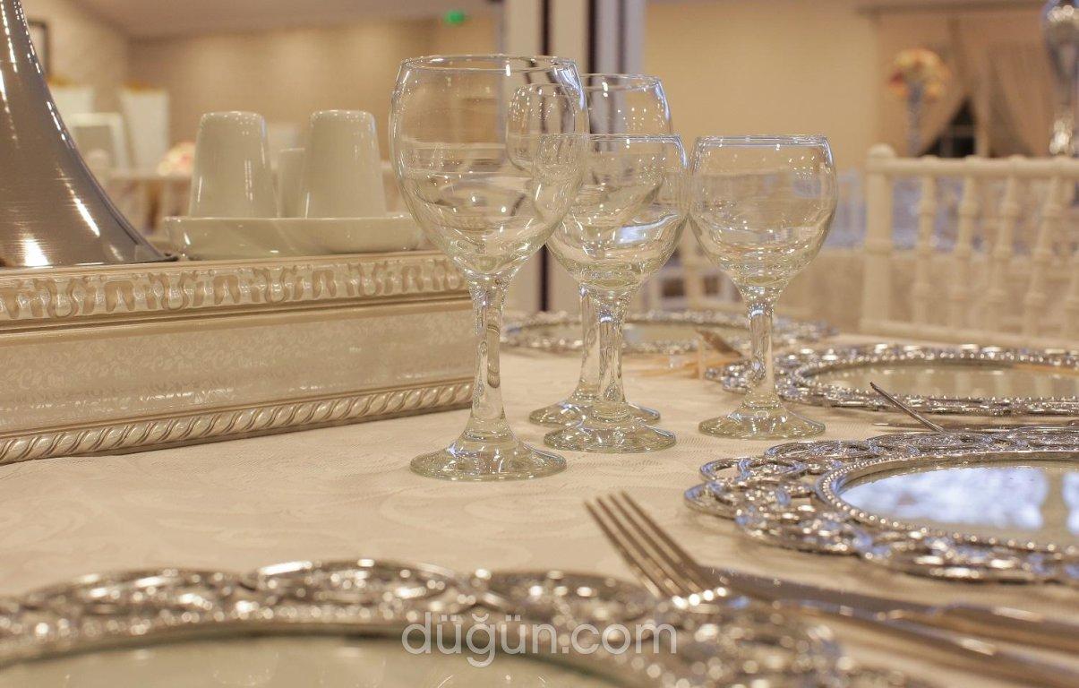 Beyler Vip Düğün Davet Ve Kına Salonları