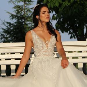 Düğün.com Çiftlerimize Özel Aralık Ayı Sonuna Kadar Gelinlik Modellerimiz %50 İndirimli!