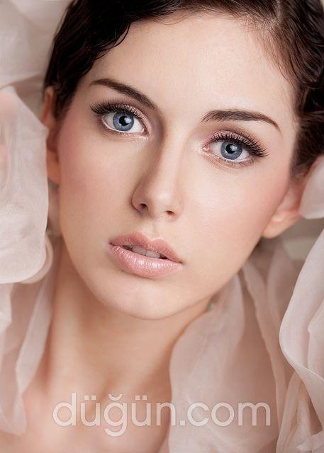 Kübra Ak Pro Make-up