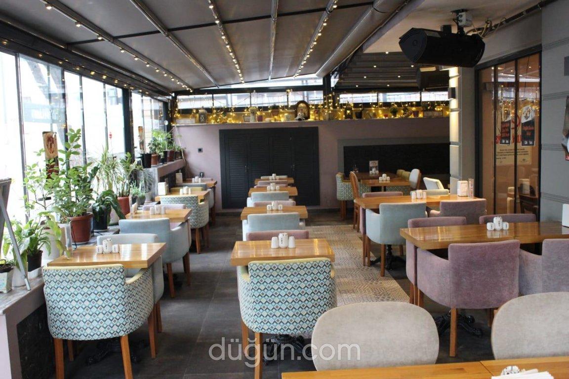Cafe M Luna