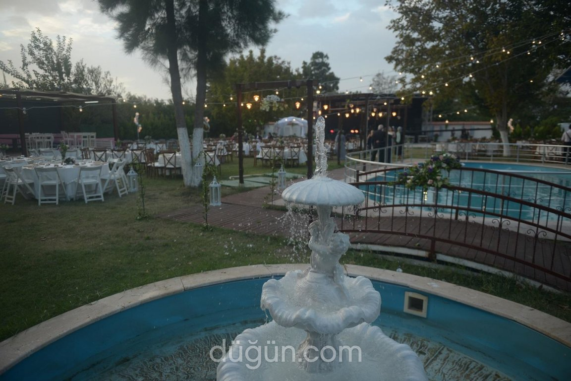 La Fontaine Wedding