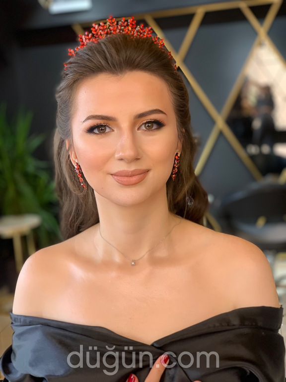 Büşra Zararsız Hair Makeup