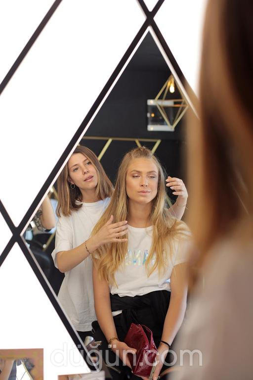 Büşra Zararsız Hair Makeup