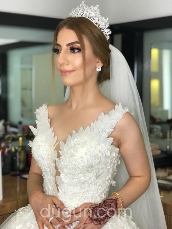 Özge Özkan Make Up Artist