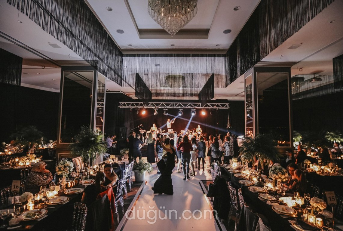 DoubleTree by Hilton İzmir Airport