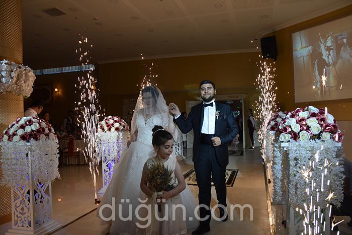 Kristal Toplantı ve Düğün Salonları