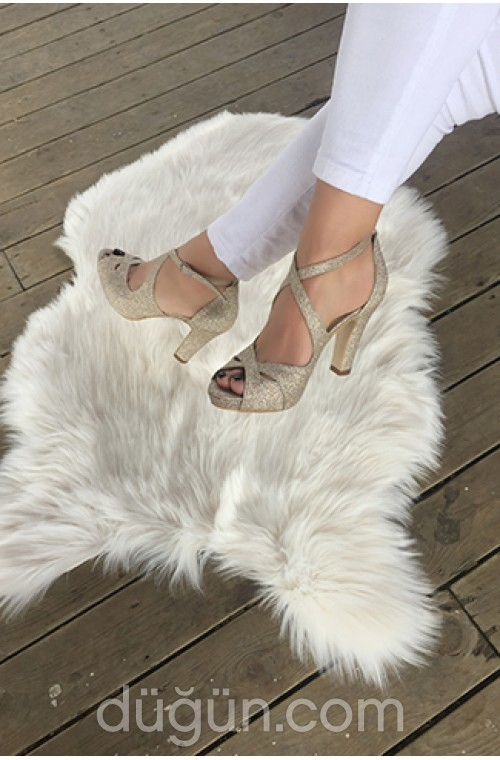 By Lena Shoes