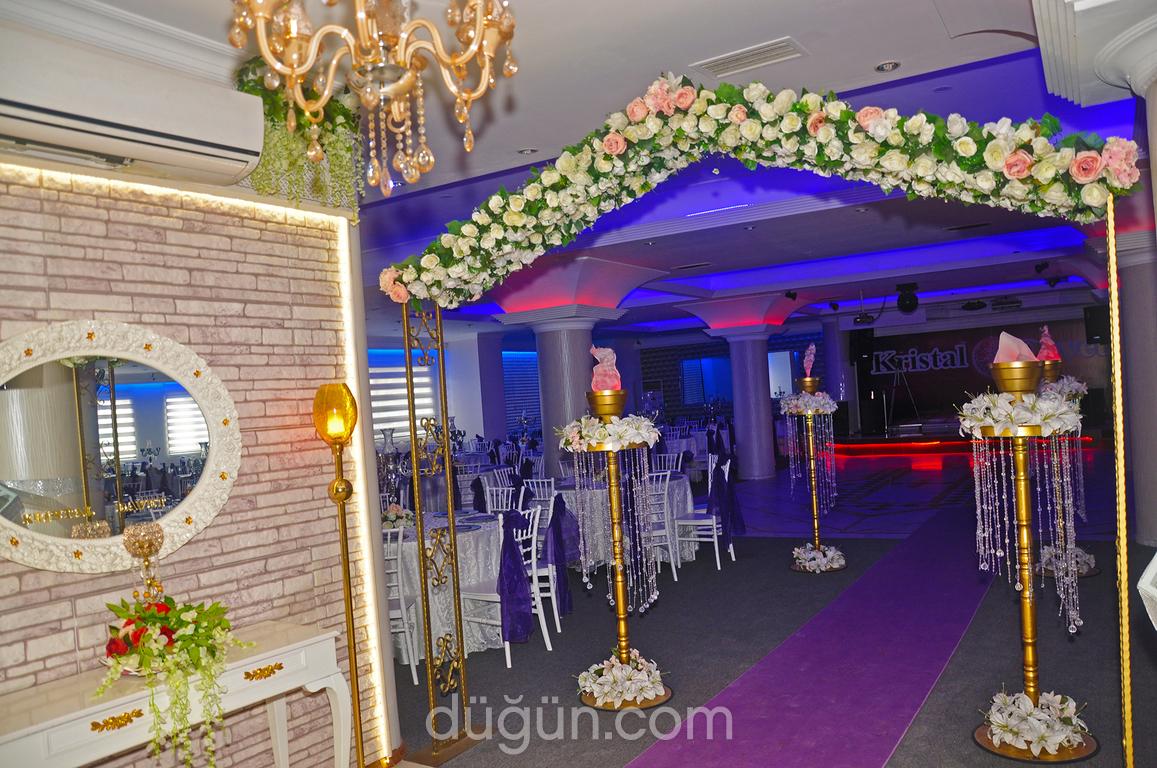 Kristal Düğün Davet Salonları