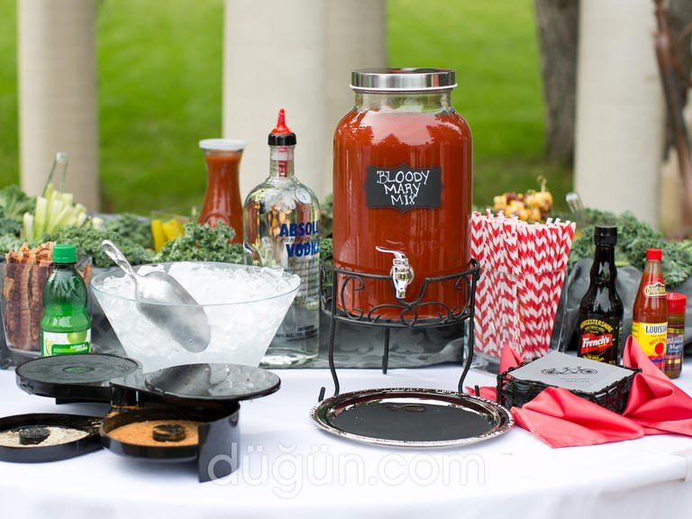 Main Event & Cocktail's Bar Catering