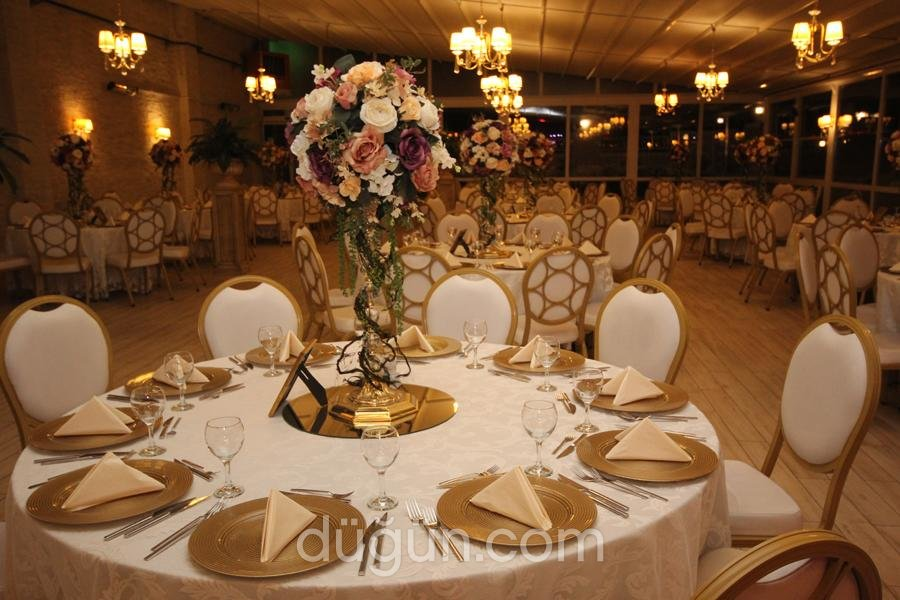 Mona Wedding & Banquet