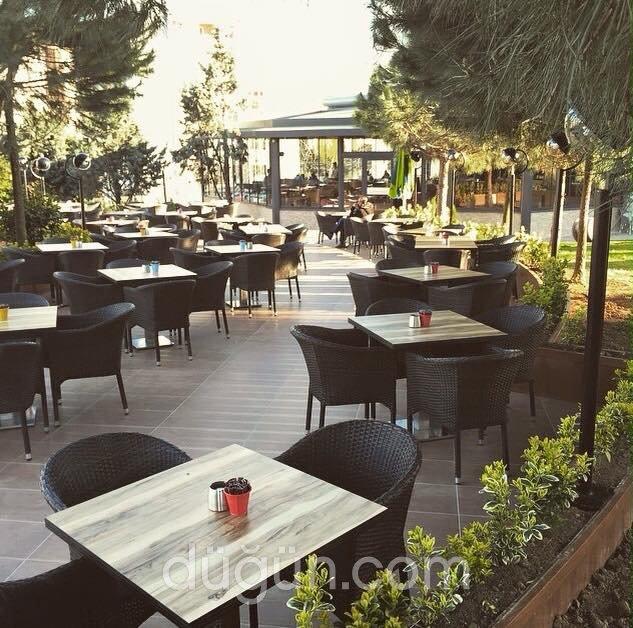 Clemence Cafe & Restaurant