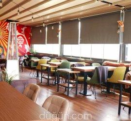 Kraz Cafe & Bar