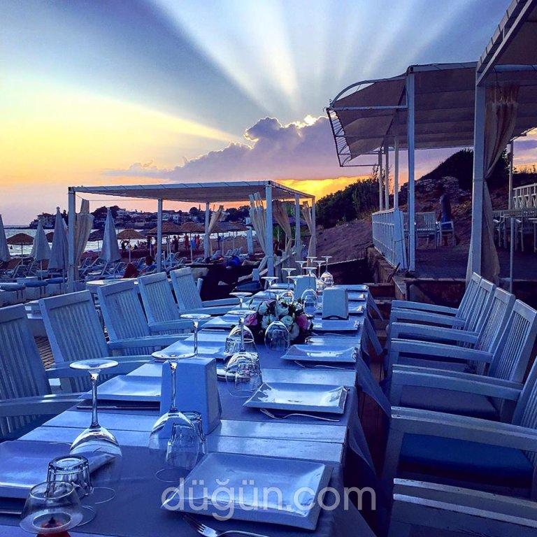 Seaside Beach Lounge