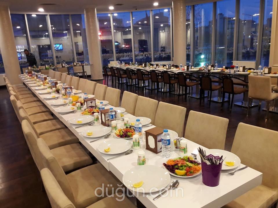 Bizbize Cafe & Restaurant