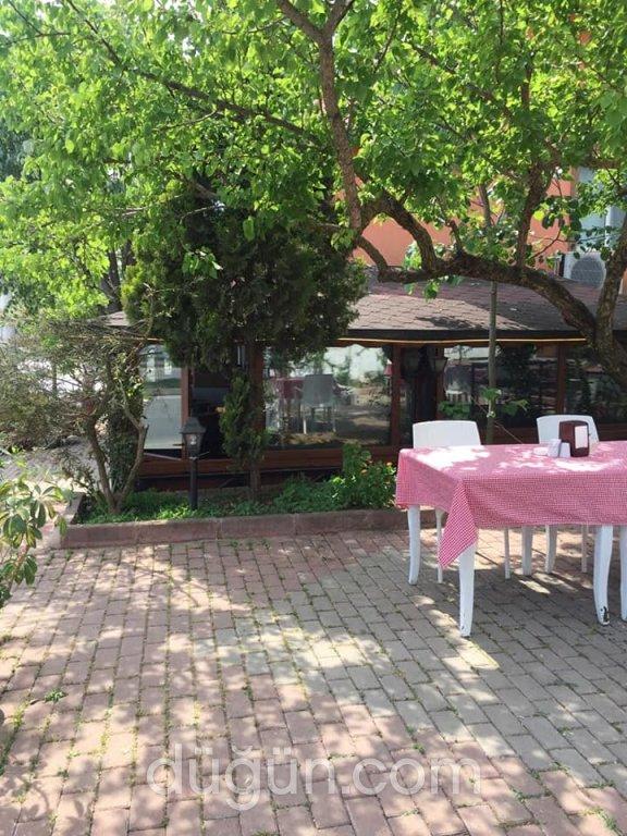 Füme Cafe & Restaurant