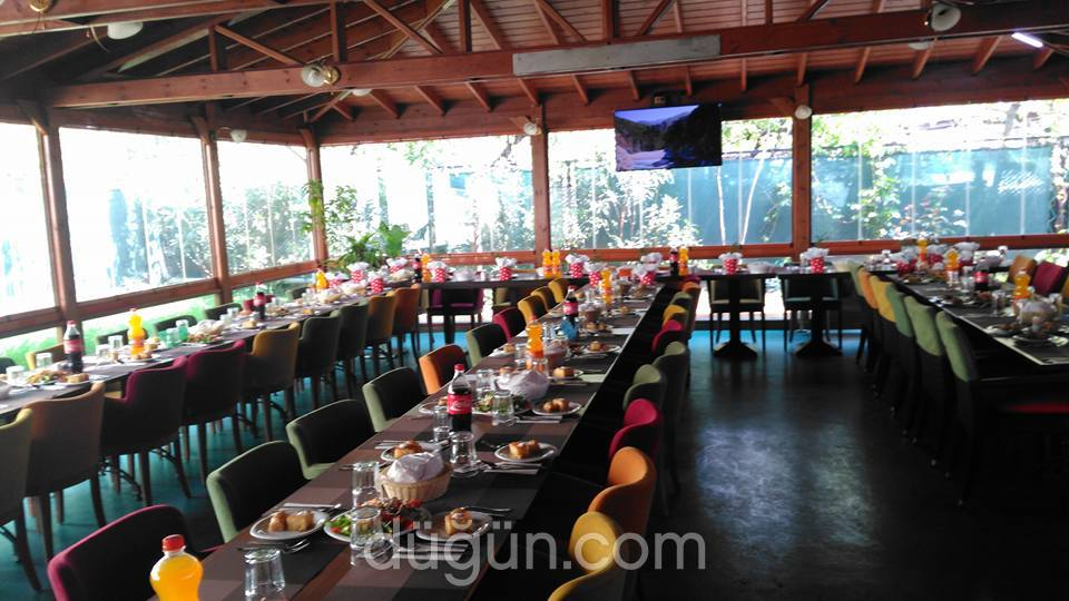 Antik Cafe & Restaurant