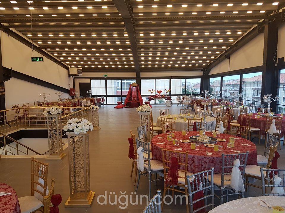 Rönesans Toplantı ve Düğün Salonu