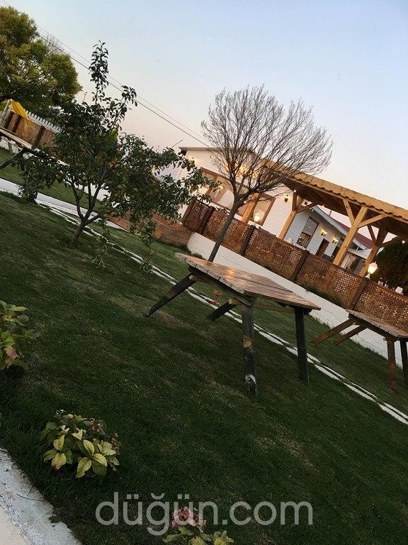 Ceyness Wedding Garden