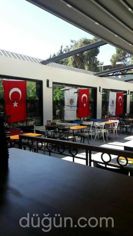 Mandarin Cafe & Restaurant